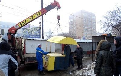 Снос незаконного мини-рынка в Самаре, фото er.samara.ru