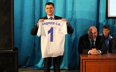 Сергей Андреев на презентации клуба, фото с сайта фклада.рф