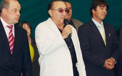 Виталий Гройсман (в центре), фото с сайта sergievsk.ru
