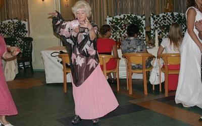 Ольга Сухова на Выпускном-2012, фото vk.com/club45049177