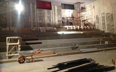 Ремонт в театре =Колесо=, фото со страницы Сергея Андреева vkontakte