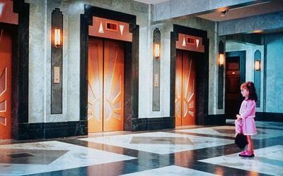 Кадр из фильма ужасов ---Лифт--- (2001), иллюстрация с сайта kino-teatr.ru